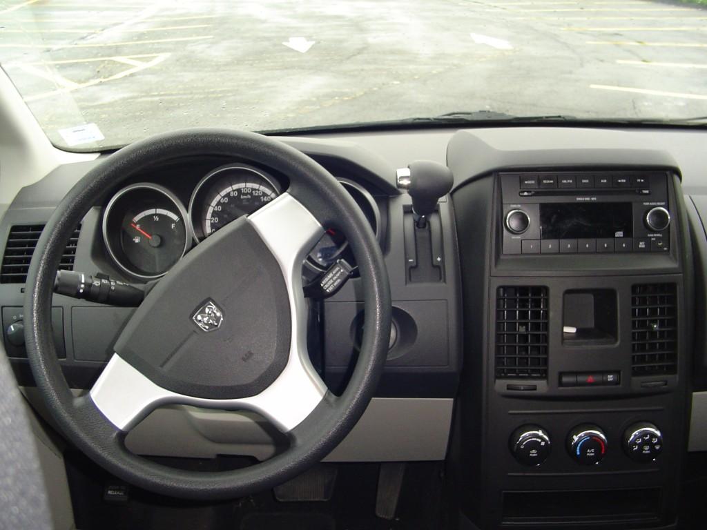 Test Drive 2010 Dodge Grand Caravan Se