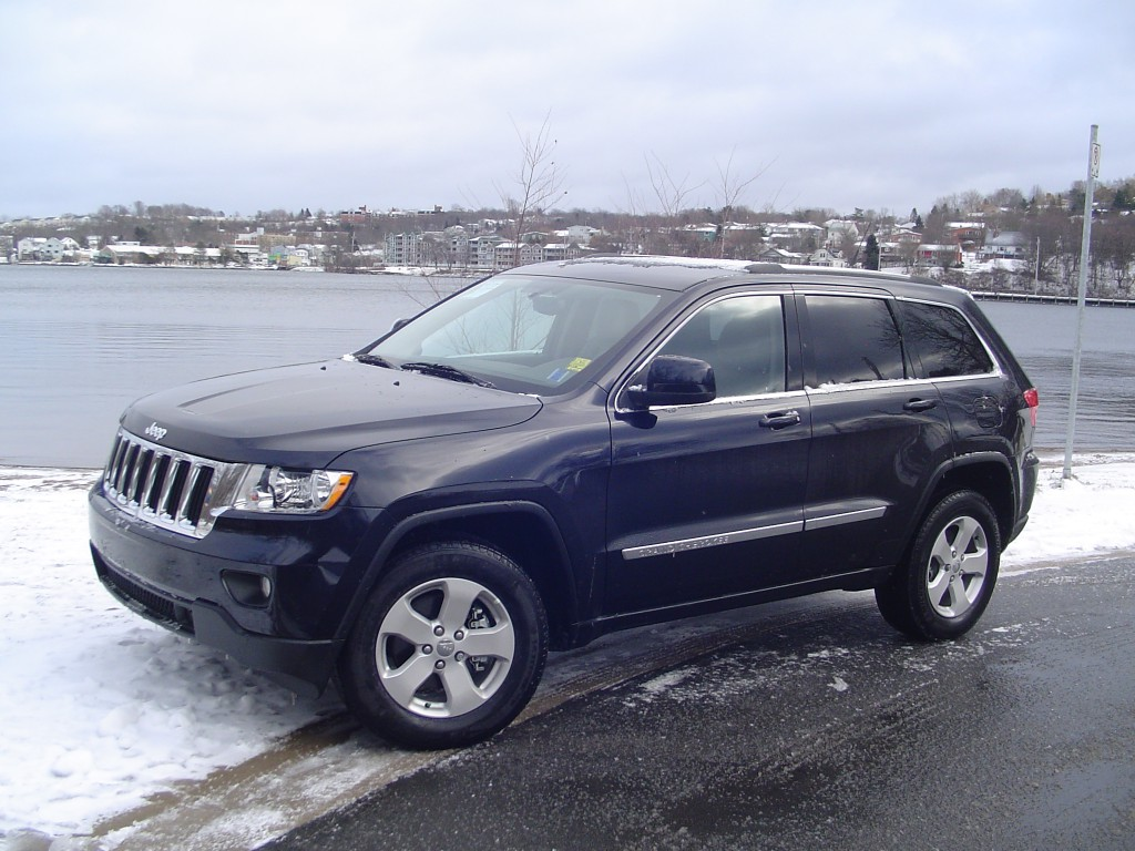 Test Drive 2011 Jeep Grand Cherokee Laredo X