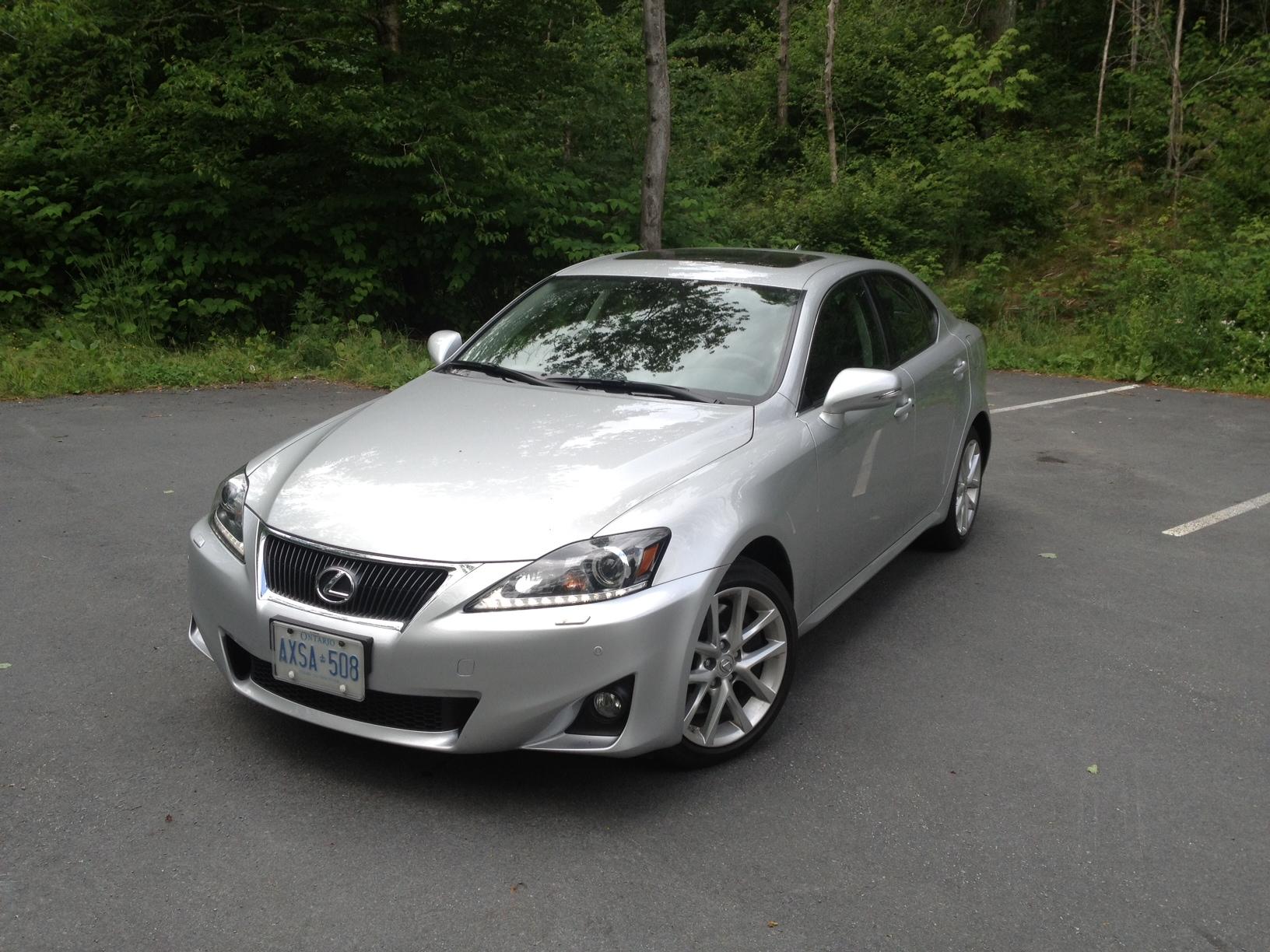 sedan exterior base front wheel reviews rear price view lexus drive photos features is